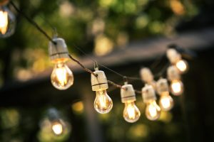 outdoor-string-lights